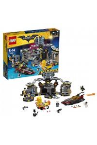 Лего Бэтмен Нападение на Бэтпещеру 70909