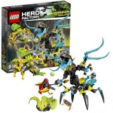Lego Hero Factory 44029 Лего Фабрика Героев Королева монстров против Фурно, Эво и Стормера